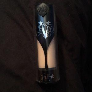 KVD Beauty foundation Light 43
